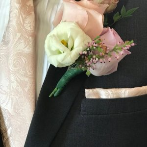 boutonniere deluxe groom
